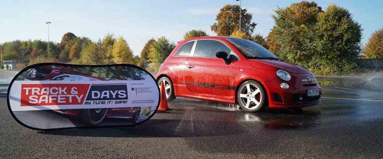 Fiat 500 auf Aquaplaning Teststrecke