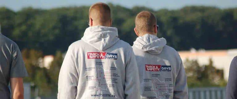 Track and Safety Days Teilnehmer mit TSD Hoodies